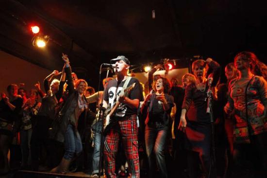 Eric Lefeuvre en concert avec  les Révoqués. Bordeaux octobre 2010.