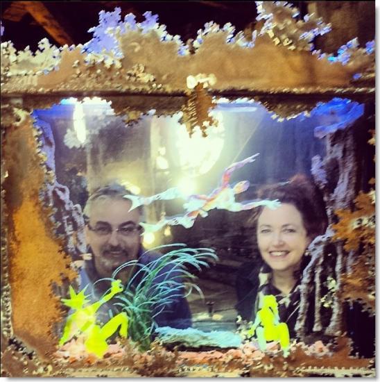 Avec Isabelle Camus dans un aquarium de JF Buisson