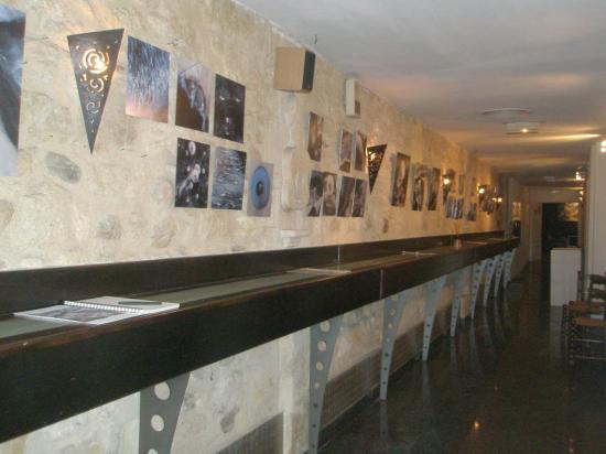 la longue galerie du Quai Largo se couvre de digigraphies.